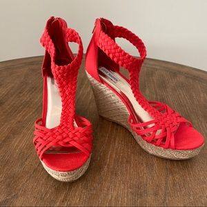 """Steve Madden • """"Rise"""" Red Braided Wedges With Jute"""